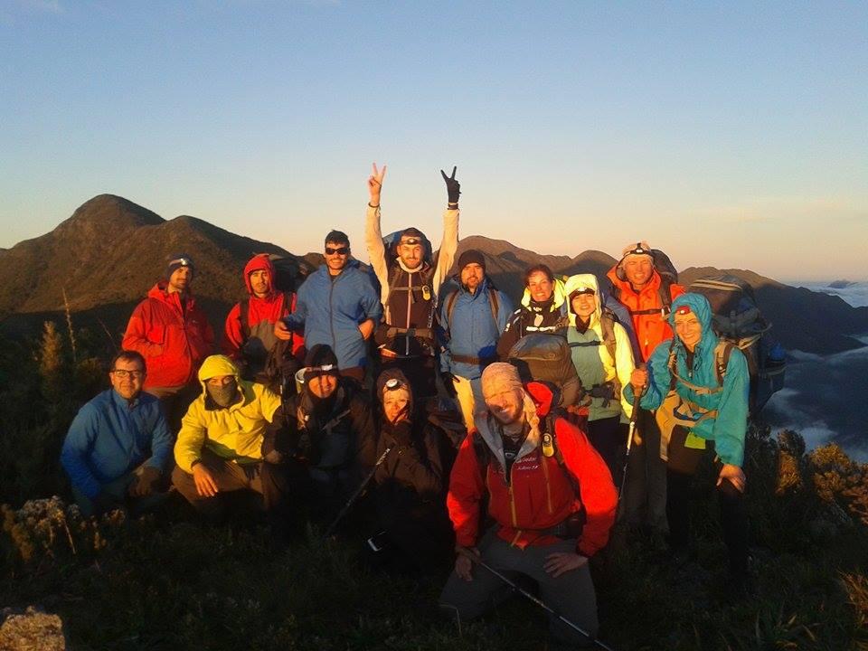 Grupo reunido no Cume alto dos ivos a 2520 m.