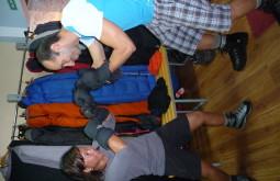 Ana e Edson lutando boxe com os mitons - Foto de Roseane Formenti
