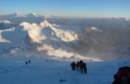 Caminho ao cume do Aconcágua, último dia da expedição a 6700m