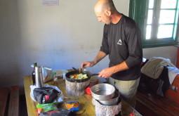 Edu-cozinhando-para-a-expedição