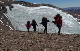 Equipe subindo a 5500m - Foto de Pedro Hauck