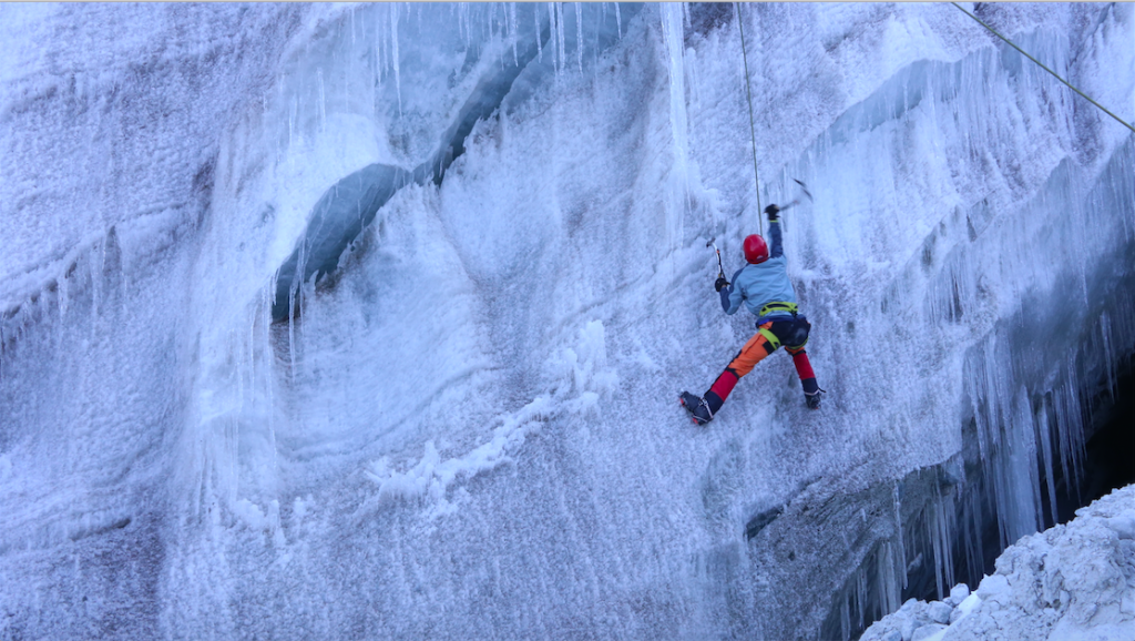 glacier-school--roping-up-and-crevasse-fall-training