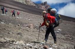 Maximo Kausch à caminho de Nido de Condores 5500m - Foto de Gabriel Tarso