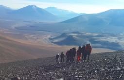 Maximo guiando parte da nossa equipe no Mulas Muertas - Foto de Javier Callupan