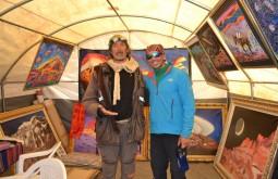 Miguel Doura, um artista que pinta quadros na base do Aconcágua - Foto de Bruno Novarini