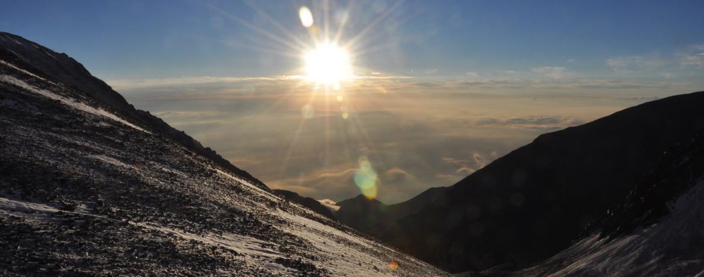 Nascer do sol desde o colo do Vallecitos e Plata - 1 - foto de Vinícius Vieira
