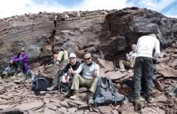 Nossa equipe aclimatando no caminho ao cume do Mulas Muertas com 5900m - Foto de Gustavo Uria
