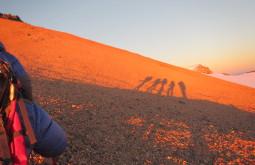 Nossa sombra no dia do cume - Foto de Maximo Kausch