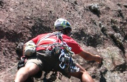 Pedro escalando em Andradas MG