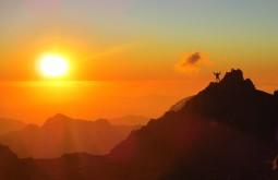 Por do sol desde Nido de Condores, acampamento 2 com 5630m