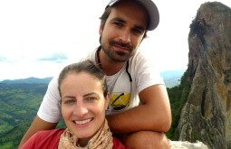 Com o namorado Pedro Hauck na Pedra do Baú