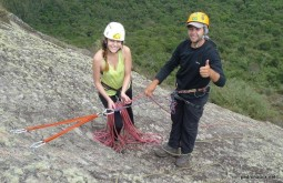 Dando instrução no curso de rocha