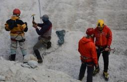 Início da instrução de escalada em gelo - foto de Fabio Brito