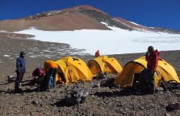 Nosso-acampamento-a-5600m-La-Hoyada-Foto-de-Edu-Tonetti
