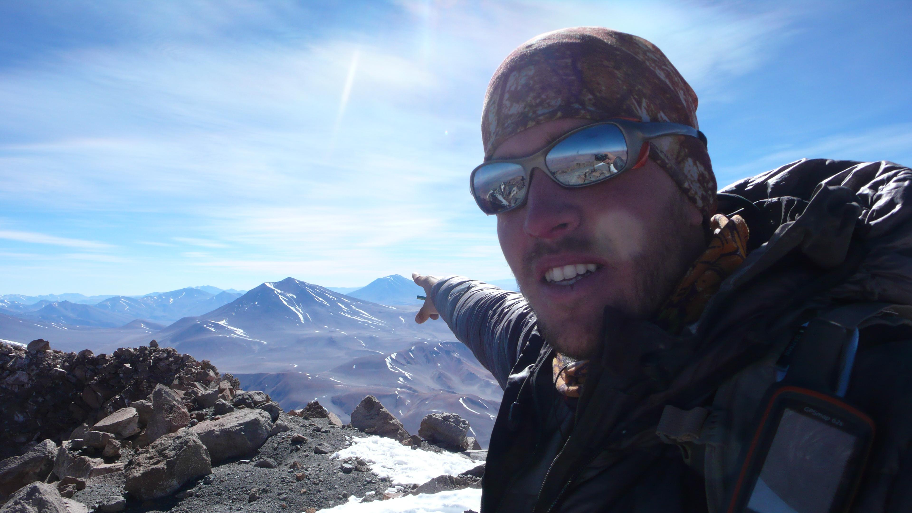 Cume do nevado Pular, provavelmente o 6000 mais remoto dos Andes