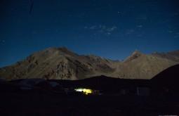 ACONCAGUA - Acampamento confluencia à noite - Foto Gabriel Tarso