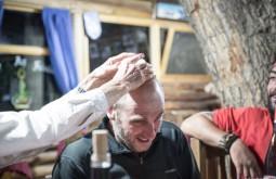 ACONCAGUA - Edu esfriando a cabeça em Uspallada, nosso primeiro jantar em terra apos a expedicao - 4 - Foto Gabriel Tarso