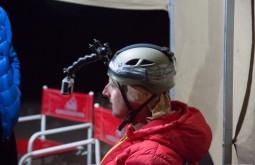ACONCAGUA - Edu provando o capacete 2 - Foto Gabriel Tarso