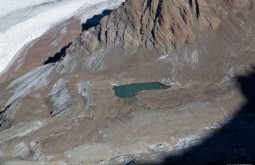 ACONCAGUA - Lagoa glaciária próxima a plaza de mulas - Foto Gabriel Tarso