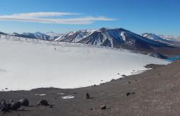 Aproximando o Monte Parofes em condições invernais - enfrentamos desde ventos de 100kmh, vento branco e temperaturas de muitas dezenas abaixo de zero - Foto de Maximo Kausch