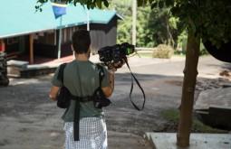KILI - Gabriel filmando em Marangu - Foto Gabriel Tarso