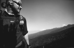 KILI - Maximo à caminho de Shira Camp - Foto Gabriel Tarso