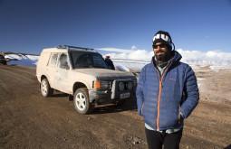Pedro e o Land Rover que apelidamos de Conway - Foto Caio Vilela