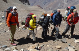 Equipe do GentedeMontanha no Mercedário, Argentina 6770m, todos com mochilas Deuter! - Foto de Pedro Hauck