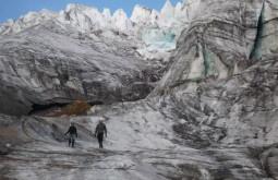 Base do glaciar em época seca