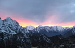 Por do sol desde o base do Ama Dablam