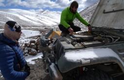 Descongelando o motor a 4600m - Foto de Maximo Kausch