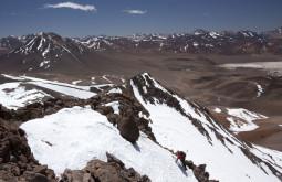 Escalando em terreno Virgem a 5000m - Foto de Caio Vilela