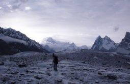 Aproximando o Hidden Peak após 7 dias de caminhadas, Paquistão - 2 - Foto de Maximo Kausch