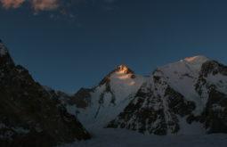 Luz do entardecer sobre o Hidden Peak, 8080m, Paquistão - 4 - Foto de Maximo Kausch
