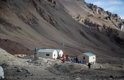 A casa dos guardaparques e médicos em plaza de mulas 4300m - Foto de Gabriel Tarso
