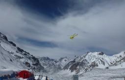 Helicoptero de resgate em plaza de Mulas - Foto de James Shipton