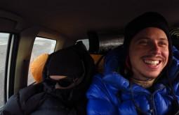 Manolo Svicero e Bruno Carrara capotado no carro após o cume - Foto de Paula Kapp