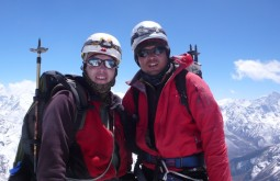 Maximo com sherpa no Nepal