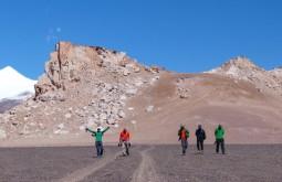 Nossa equipe aclimatando a 4500m - Foto de Gustavo Uria