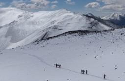 Nossa equipe descendo do cume do Vicuñas - Foto de Gustavo Uria
