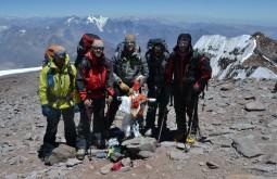 Parte na nossa equipe no cume em janeiro de 2015 - Foto de Maximo Kausch