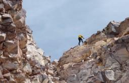 Trecho técnico nos últimos metros do ataque ao cume do Ojos del Salado - Foto de Gustavo Uria
