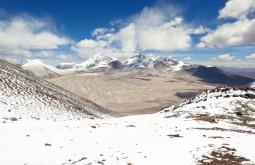Vista dos Nevados Tres Cruces com 6638m e 6750m desde o cume do Vicuñas com 6087m - Foto de Paula Kapp