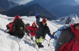 Jenni Valentini e Tatiana Batalha chegando ao cume - Foto de Paula Kapp