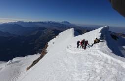 Parte da nossa equipe chegando ao cume