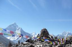 Stupa em Pheriche, Nepal (Ama Dablam ao fundo) - Foto de Maximo Kausch