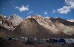 ACONCAGUA - O cerro Almacenes visto desde Confluencia - Foto Gabriel Tarso