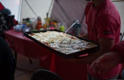 ACONCAGUA - Pizza para almoço a 4300m! - Foto Gabriel Tarso