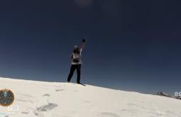 Jovani Blume no cume de sua primeira montanha virgem com 5077m - Foto de Maximo Kausch - Imagem da Garmin VIRB