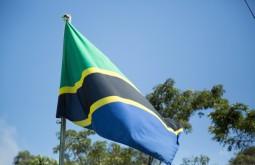 KILI - Bandeira da Tanzania em Marangu - Foto Gabriel Tarso